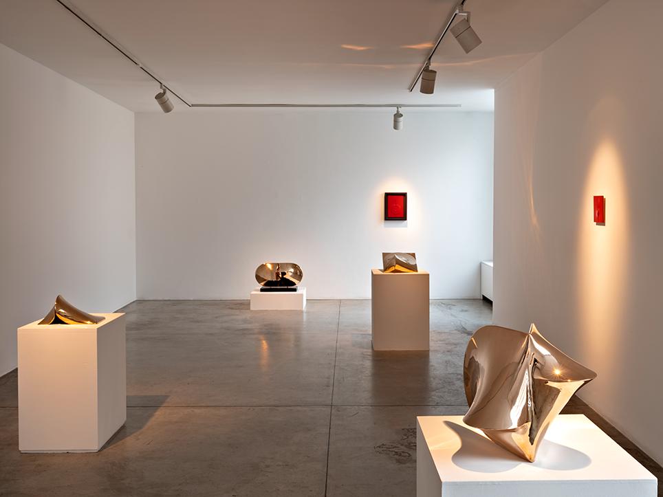 Agostino Bonalimi Installation view, Personale 2021, Milano, Galleria Cardi, foto Carlo Vannini, a
