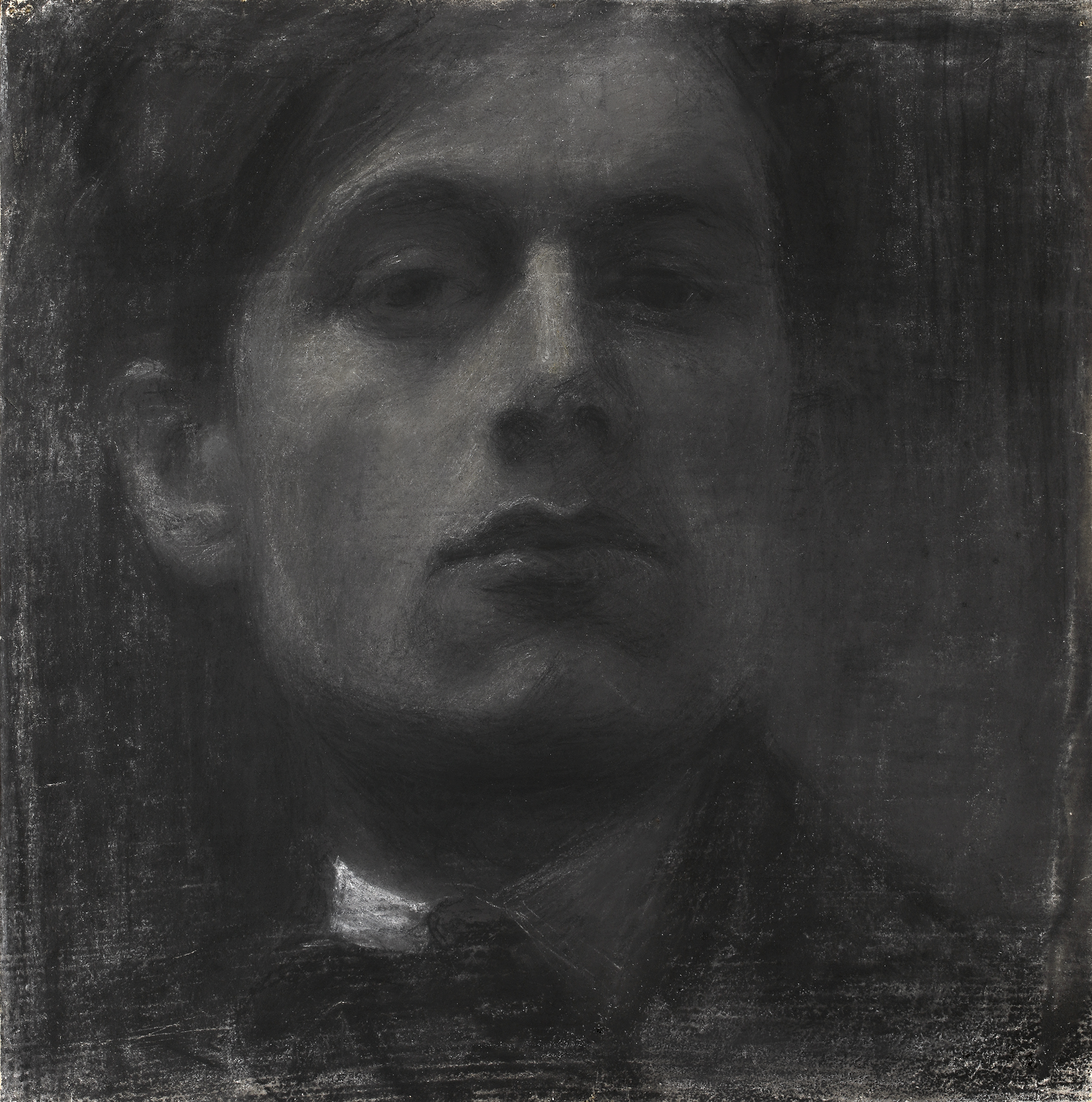 Mario Sironi, Mario Sironi, Autoritratto, 1904, carboncino su carta, applicata su tela, 29,9 x 29,9 cm Collezione privata, Courtesy Associazione Mario Sironi, Milano - © by SIAE 2021