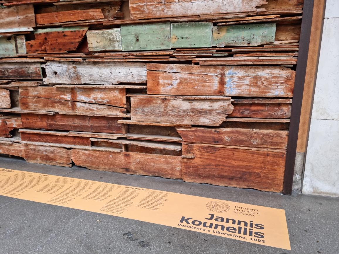 Jannis Kounellis_2021_Resistenza e Liberazione_Padova_Palazzo Bo (1)